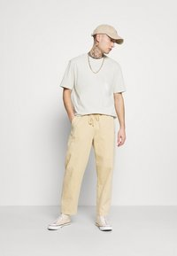 Only & Sons - ONSMILLENIUM LIFE WASHED TEE - T-paita - bright white - 1
