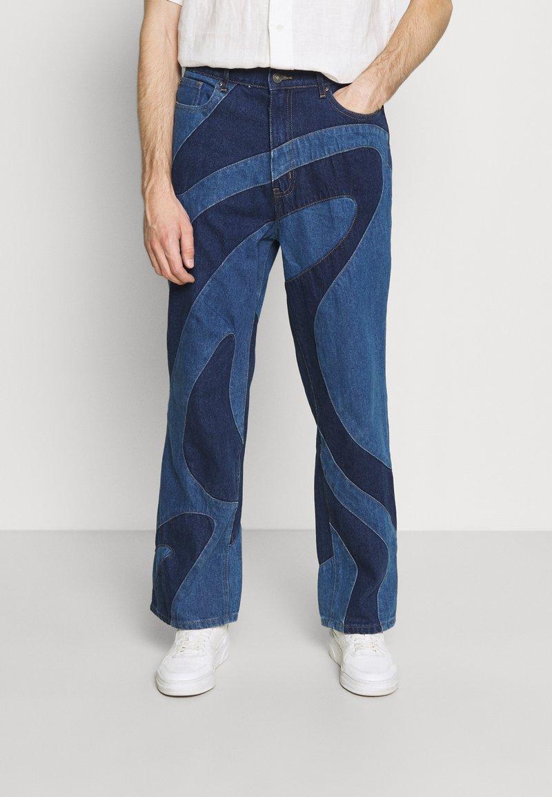 Jaded London - JADED MEN X CURLYFRYSFEED SWIRL CUT & SEW  - Bootcut jeans - dark blue