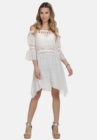 IZIA - IZIA KLEID - Day dress - white - 0