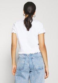 Monki - NILLAN - Camiseta estampada - white - 2