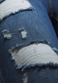ONLY Carmakoma - CARWILLY LIFE DETROY - Jeans Skinny Fit - light blue denim - 6