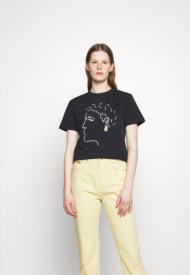 EARRING BOXY TEE - Print T-shirt - black