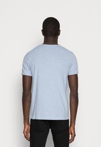 Selected Homme - SLHMORGAN O-NECK TEE - T-shirt basic - dream blue - 2