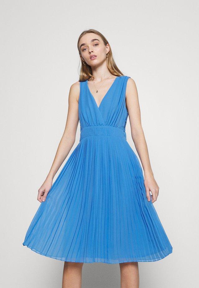 NORMA - Cocktailjurk - bright blue