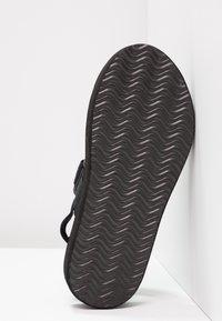 Vero Moda - VMLIA - Sandales à plateforme - black - 6