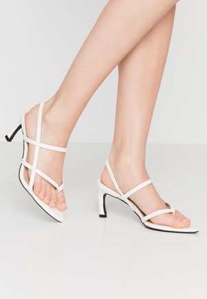 POINTY SOLE TOE STRAP  - Sandals - offwhite