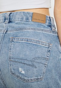 American Eagle - CURVY MOM JEANS - Jeans relaxed fit - blue breeze - 4