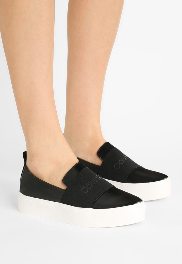 JACINTA - Mocasines - black