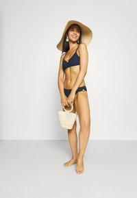 watercult - WATERCULT SOLID CRUSH - Bikini pezzo sopra - nightblue - 1