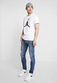Jordan - T-shirts print - white/black - 1