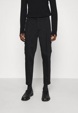 LEVEN - Pantaloni cargo - schwarz
