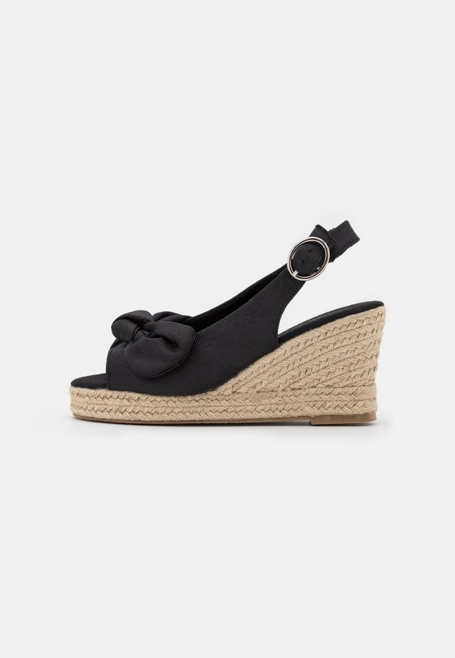 VMFELIA WEDGE  - Sandalen met plateauzool - black