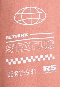 RETHINK Status - UNISEX  - Pantalon de survêtement - light mahogany - 7