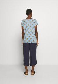 Esprit - TEE - T-shirts med print - light blue - 2