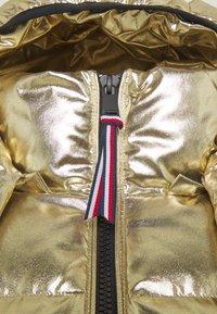 Tommy Hilfiger - HIGH GLOSS PUFFER - Down jacket - gold - 4