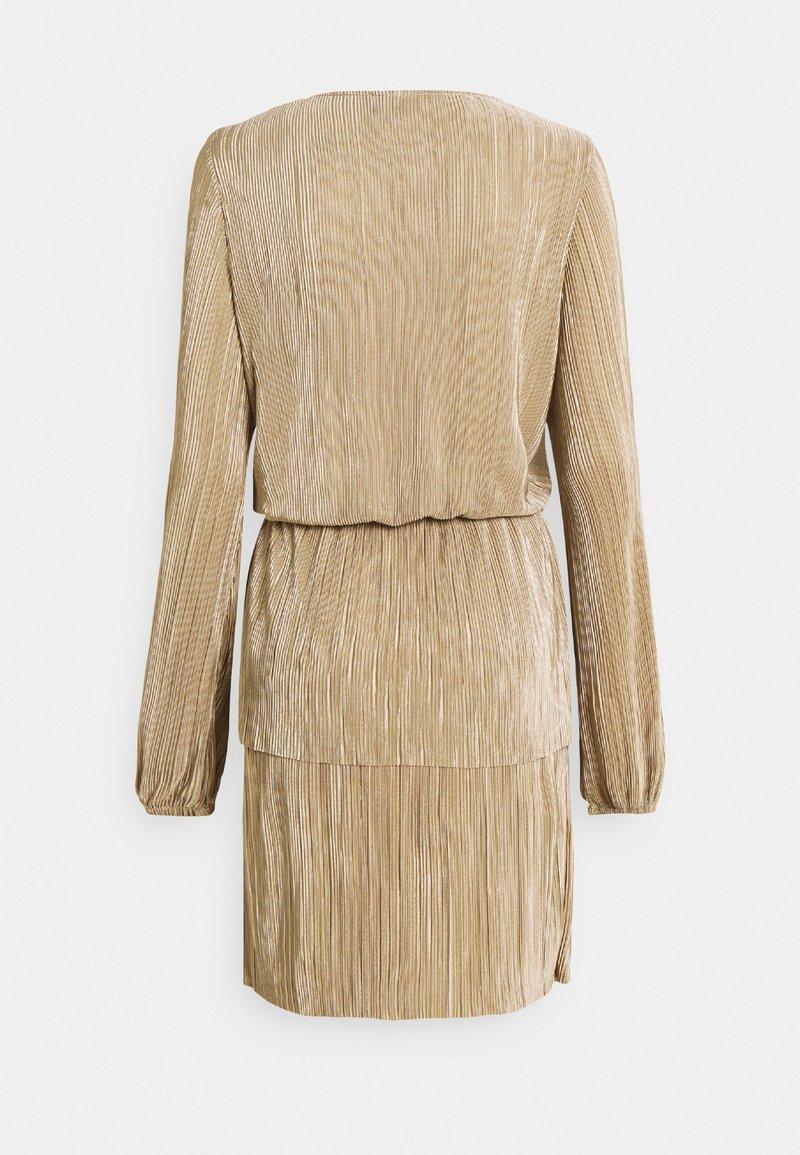 vmalia plisse short dress - cocktailkleid/festliches kleid - silver mink