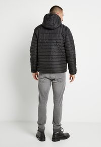 Only & Sons - ONSPAUL QUILTED HOOD JACKET - Light jacket - black - 2