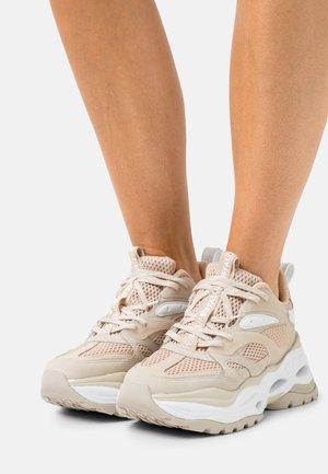 VEGAN TRIPLET  - Trainers - beige/white