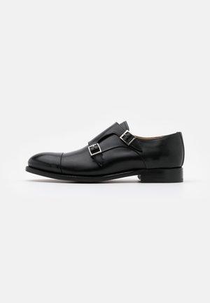 DANNY - Elegantní nazouvací boty - orleans black