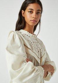 PULL&BEAR - Korte jurk - white - 4