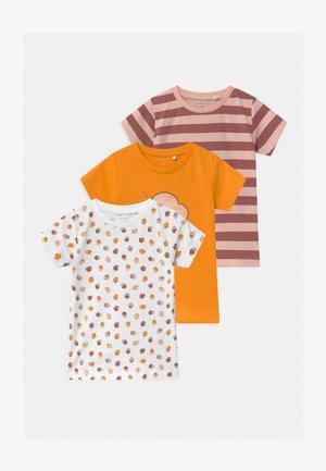 NBFBAILASAN 3 PACK - Print T-shirt - peach whip