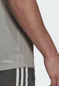 adidas Performance - Basic T-shirt - medium grey heather/white - 6