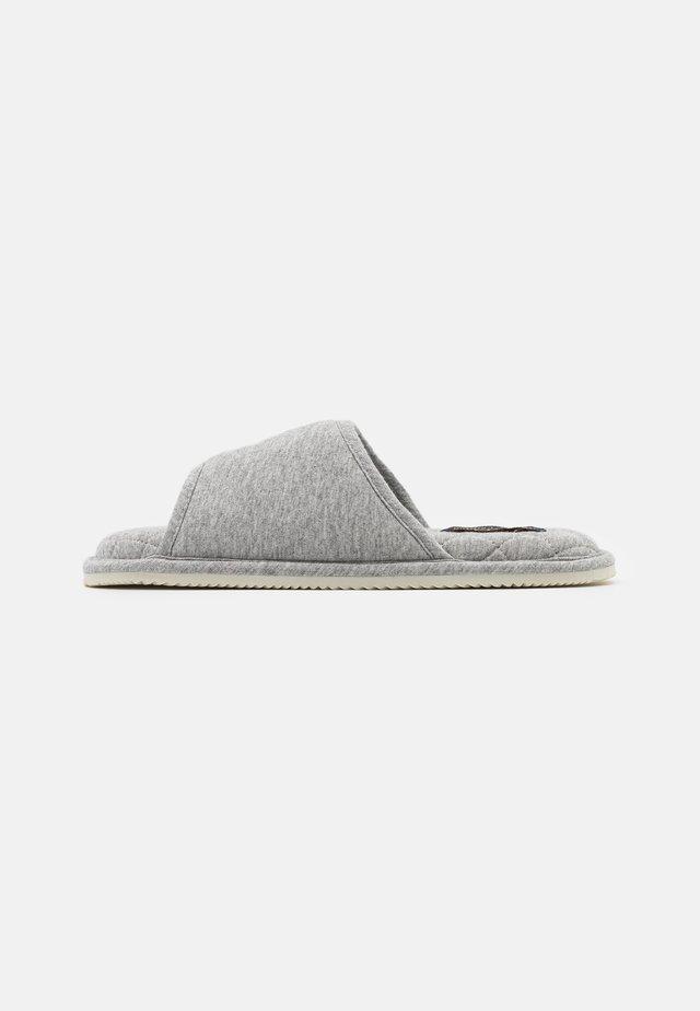 ANTERO  - Slippers - grey/cream