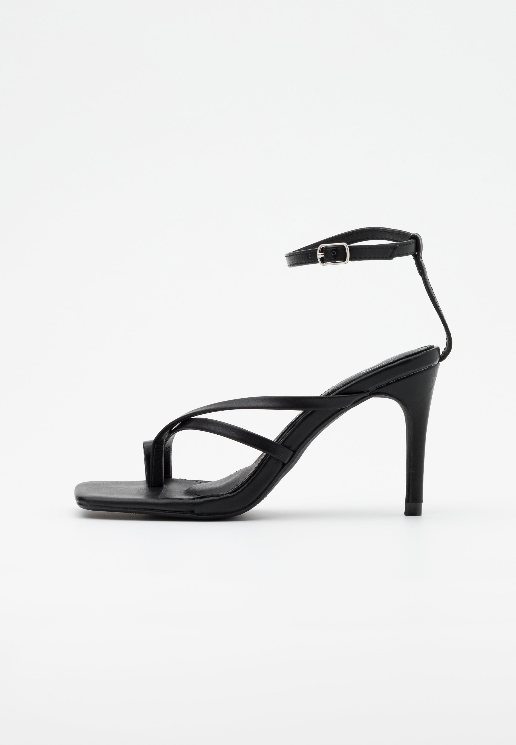 toe post heeled sandals uk