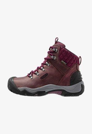 REVEL III - Hiking shoes - peppercorn/eggplant