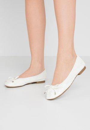 XEELIA - Ballet pumps - white