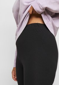 New Look Curves - 2 PACK - Leggings - Trousers - black - 4