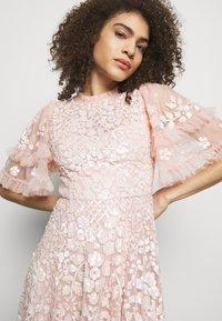 Needle & Thread - AURELIA MINI DRESS - Sukienka koktajlowa - strawberry icing - 3