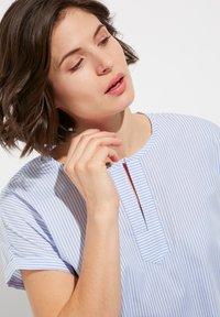 Eterna - MODERN CLASSIC - Blouse - light blue/white - 2