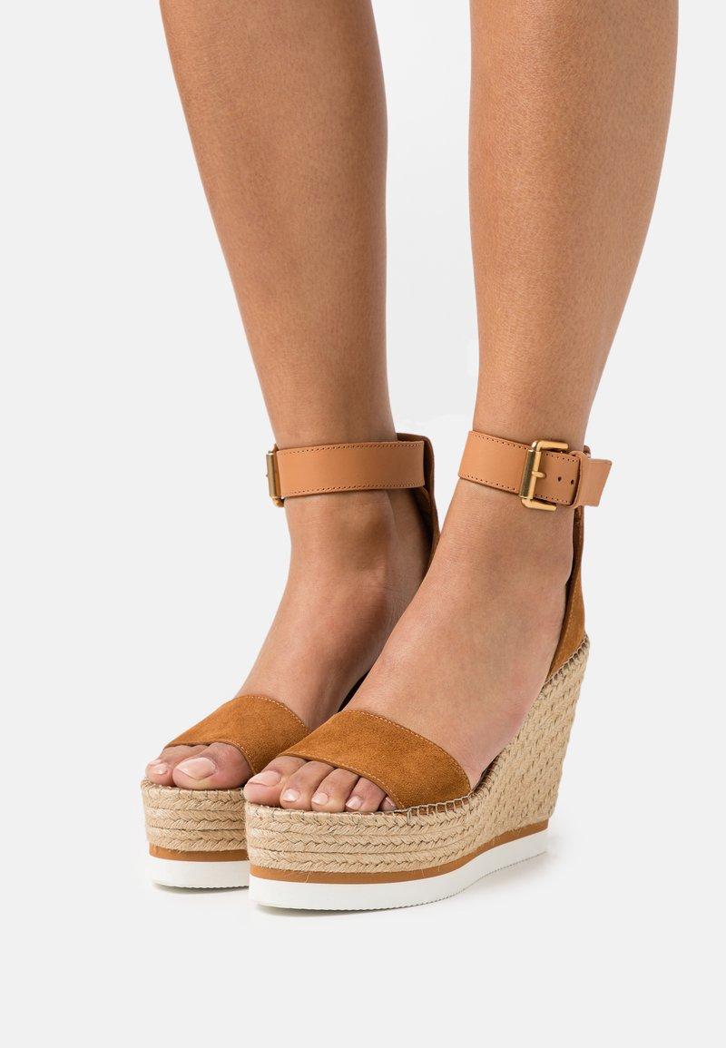 See by Chloé - GLYN HIGH - Korolliset sandaalit - light pastel brown