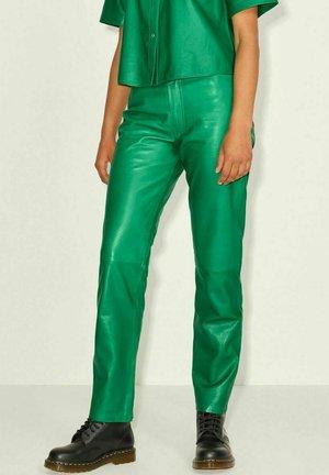 JXGRACE STRAIGHT - Spodnie skórzane - jolly green
