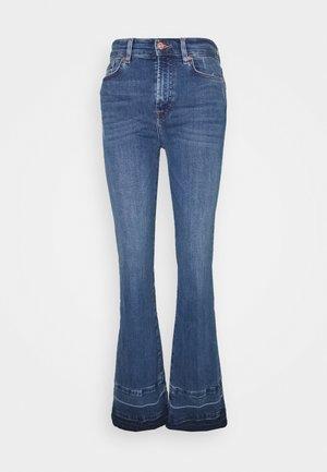 LISHA UNROLLED ILLUSION PLAYER - Bootcut jeans - mid blue