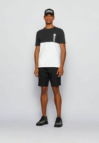 BOSS - TEE  - Print T-shirt - black - 1