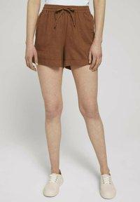 TOM TAILOR DENIM - Shorts - amber brown - 0