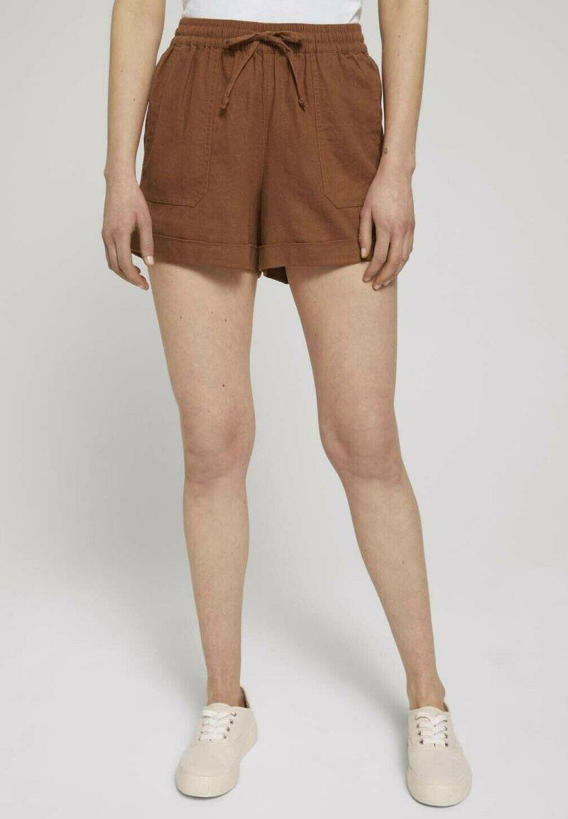 TOM TAILOR DENIM - Shorts - amber brown