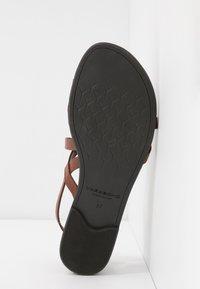 Vagabond - TIA - T-bar sandals - cognac - 6