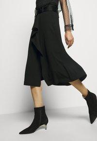 RIANI - Áčková sukně - black - 3