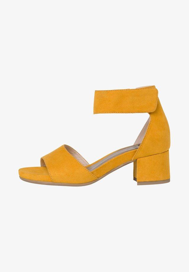 Sandaler - saffron