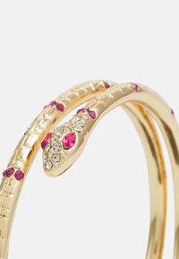 Pieces - PCLAIBI BRACELET - Armbånd - gold-coloured/clear/pink - 2