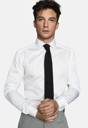 REMOTE - Formal shirt - white