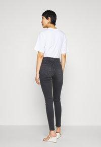 Topshop - JAMIE CLEAN - Jeans Skinny Fit - black denim - 2