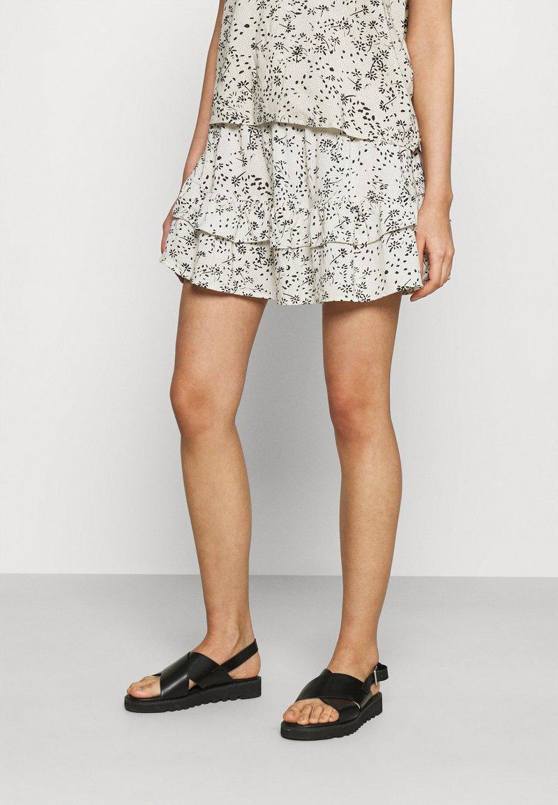 JDY - A-line skirt - tapioca/black