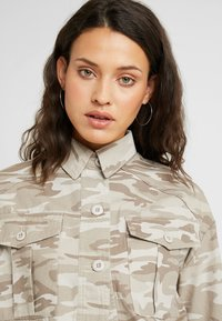 New Look Tall - CROP UTILITY - Summer jacket - cream - 4