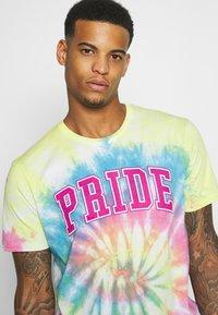 YOURTURN - UNISEX  - Print T-shirt - multi-coloured - 3