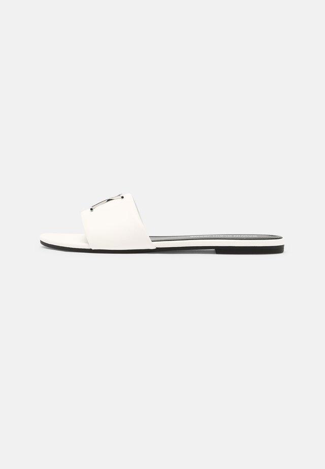 FLAT SLIDE  - Ciabattine - bright white