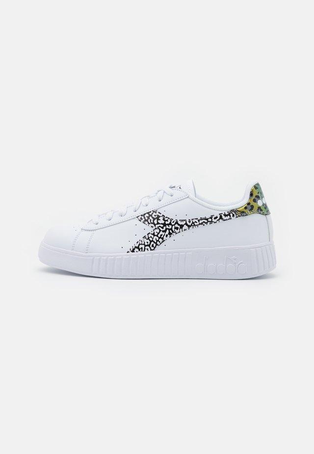GAME STEP ANIMALIER - Sneakers basse - white/black